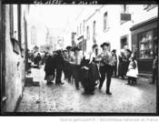 12/02/1913:le cortege-Agence ROL-BNF